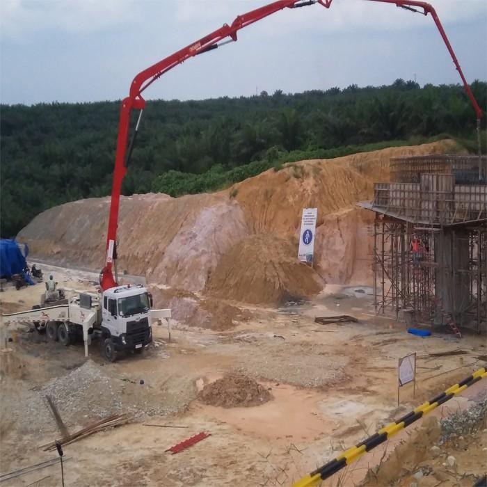 混凝土输送泵使用时安全防护