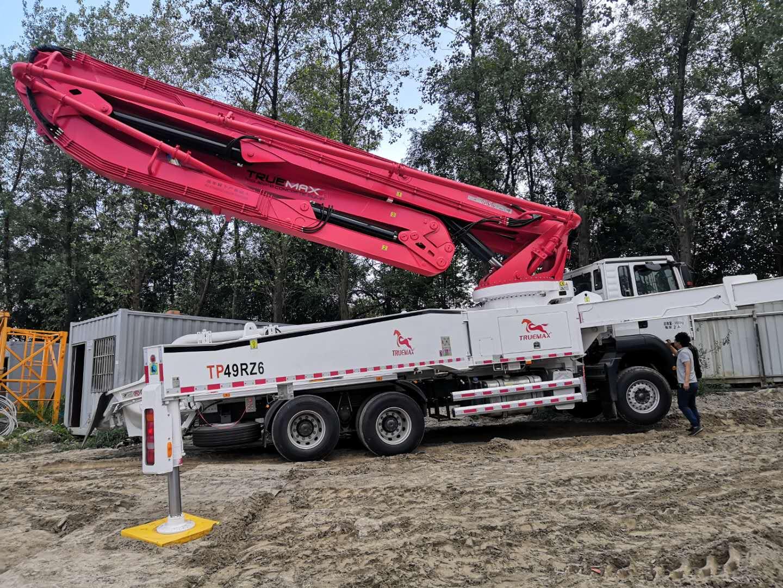 混凝土输送泵车